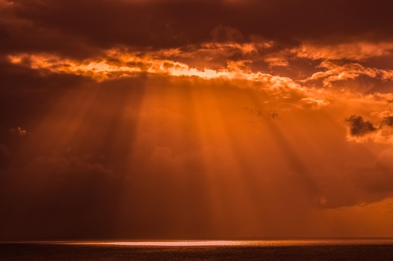 Perëndia, Burimi i Dritës Shpirtërore